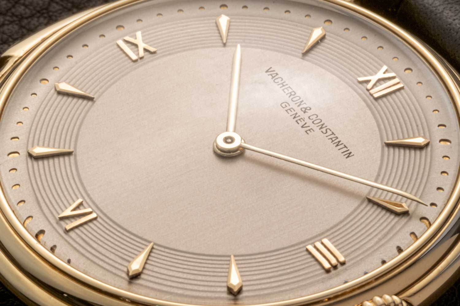Indexes for the hours are a combination of 12, 3, 6 and 9 in Roman numerals and trapezoidal markers for the rest on the dial of the Reference 4261 Minute Repeater (©Revolution)