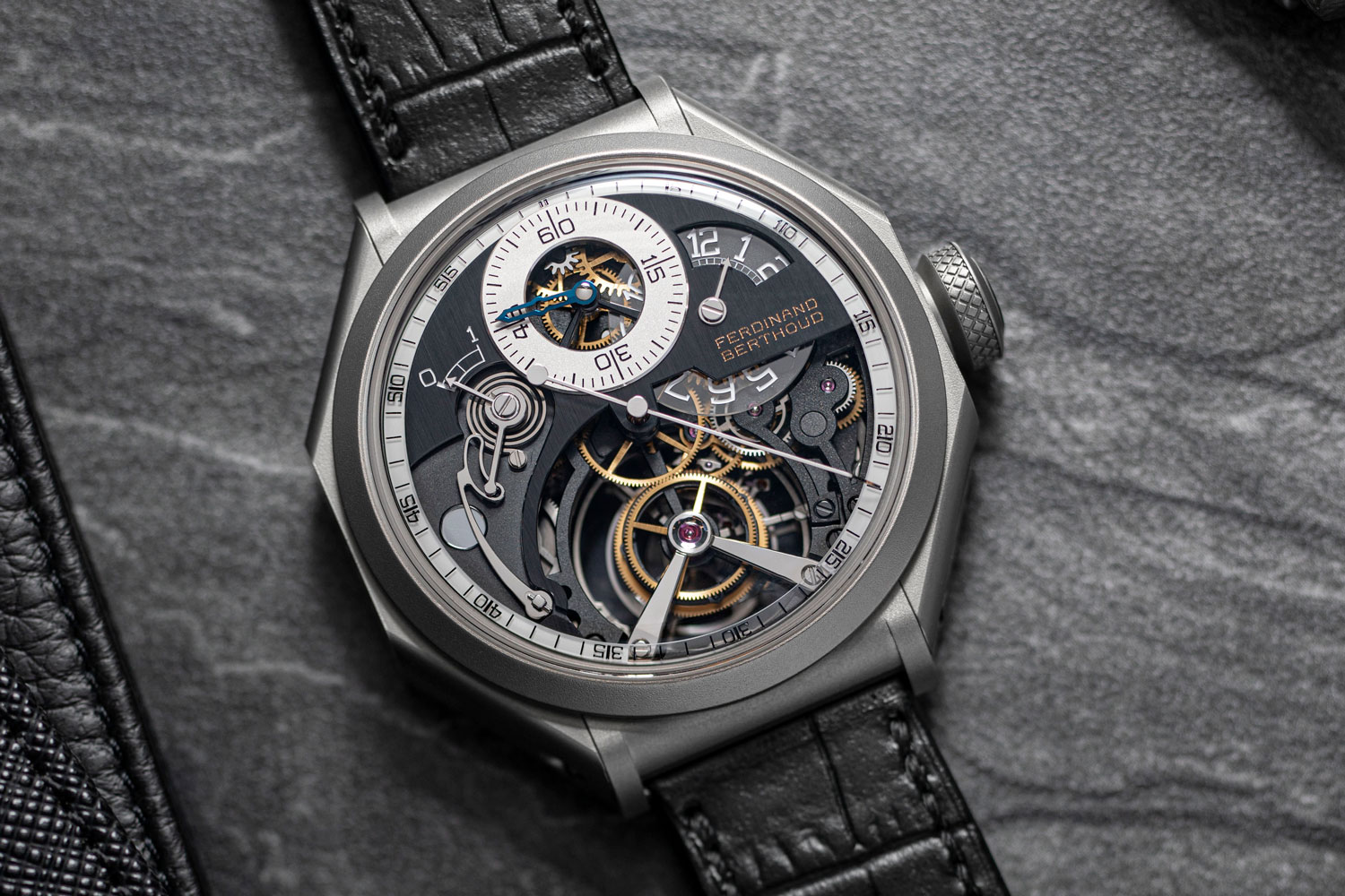 The Ferdinand Berthoud Régulateur Squelette FB RS has a massive seconds hand in the middle of the watch that harks back to regulators, which were clocks that had all each of the indications decentralized, usually focusing on the seconds to be as precise as possible; it is also this seconds hand that allows this watch to be COSC certified, as an actual chronometer (©Revolution)
