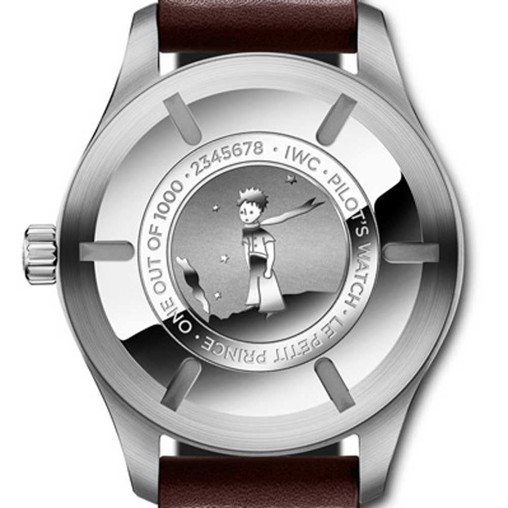 The Le Petit Prince models made their way into the Pilot's collection in 2013. The very first model, reference IW3265-06, was based on the Mark XVII time-only Pilot's watch.