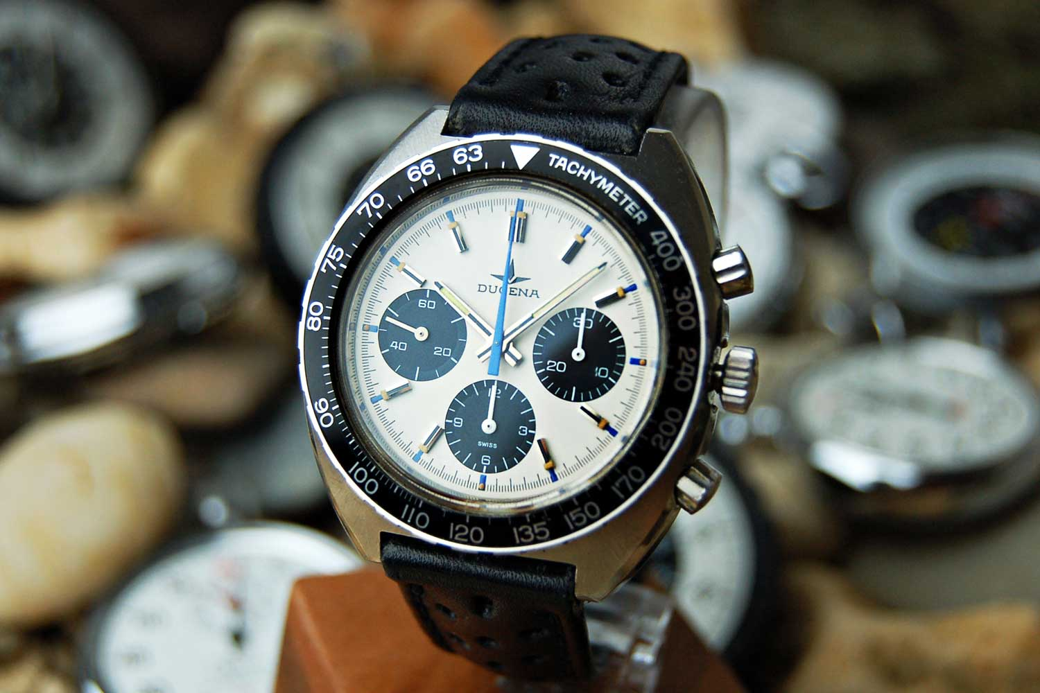 The Dugena Chronograph has the same style cues as the racing Heuer watches from the 1960s (Image: Alistair Gibbons/ATGVintageWatches.com)