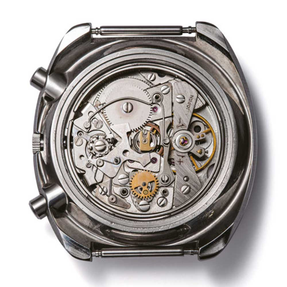 In 1969, Seiko made the world's first mass produced automatic chronograph powered by Calibre 6139. Seen here is the Seiko 5 Sports Speed-Timer.