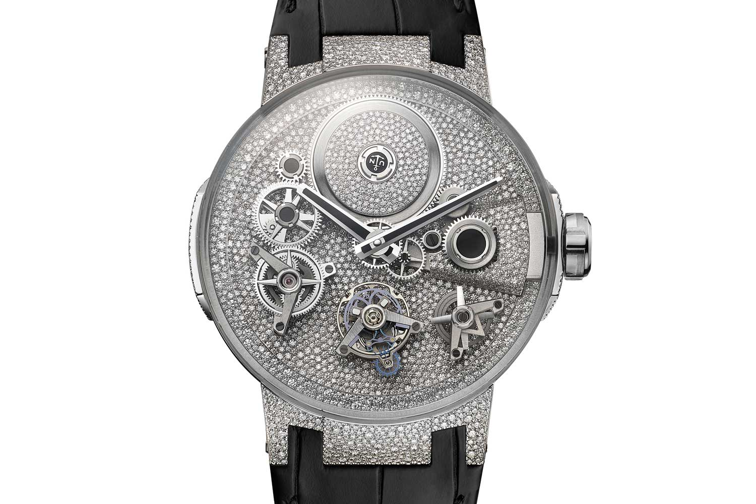 The meticulously selected 2,251 pavé stones on the Sparkling Free Wheel comprise a total of 5.90 carats.