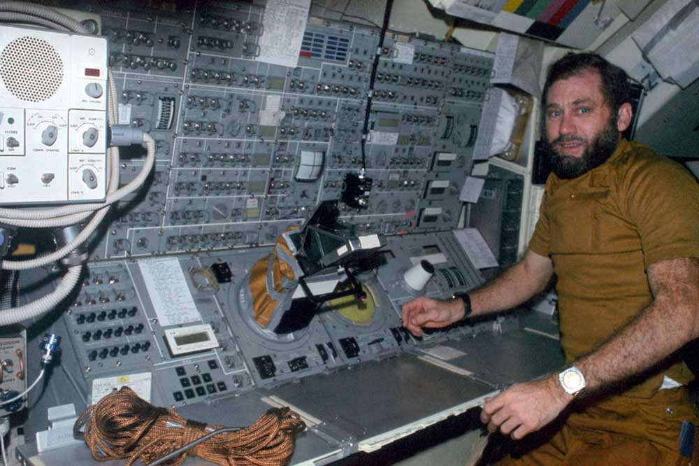 Colonel William Pogue wearing his Seiko on Skylab 4. (Image: NASA)