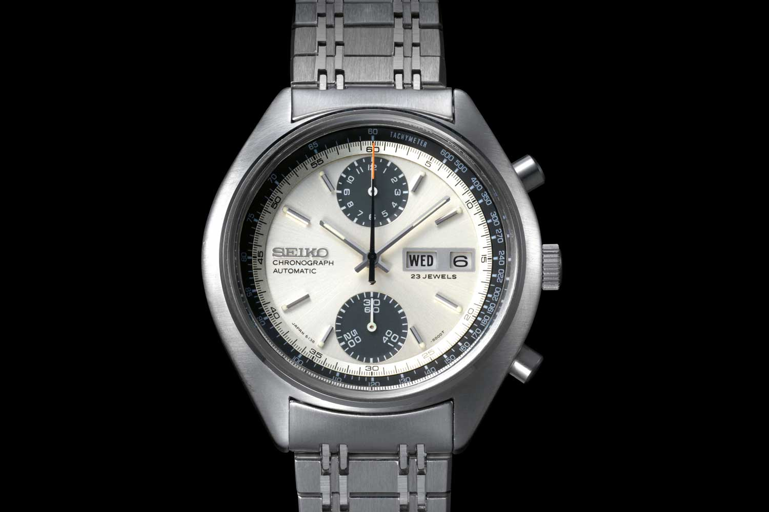 One of the most popular of the 6138 chronographs is the so-called 'Panda'.