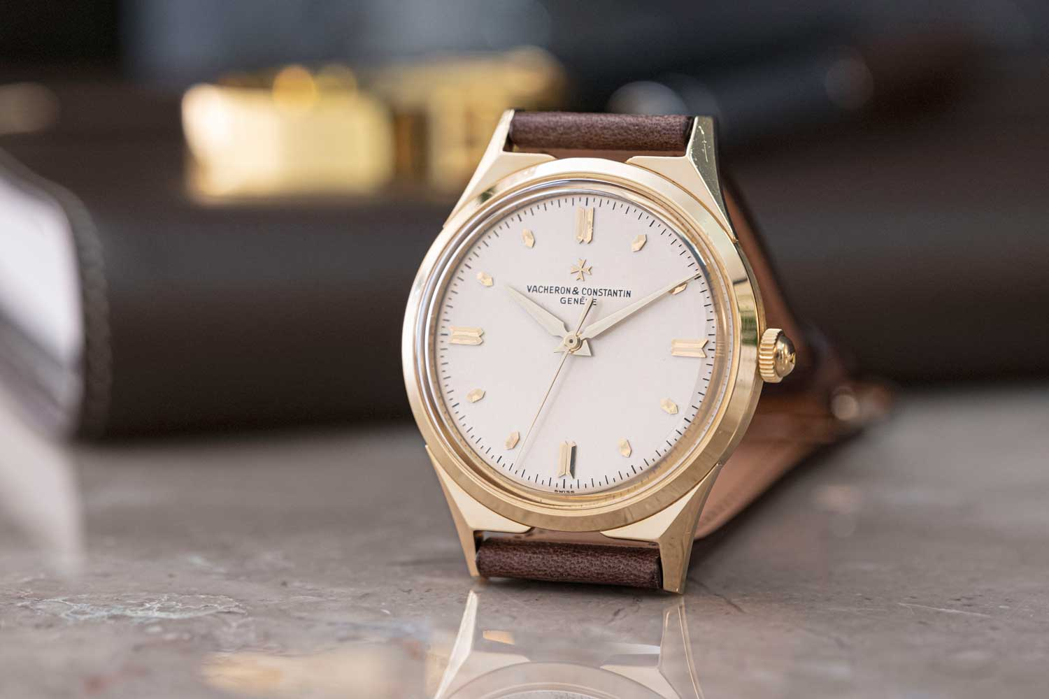 """1956: Chronomètre Royal Reference 6111; 18K yellow gold """"Royal Chronometer"""" wristwatch; silvered dial, 4/4 pointed baton indexes and 8 hexagonal indexes, external minute circle, central seconds with counterpoise (©Revolution)"""