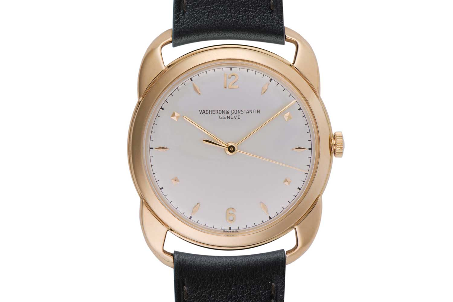 1952: Crab Claw Lug Reference 4659; 18K yellow gold wristwatch silvered dial, 2 Arabic numerals and 10 indexes in gold, central seconds, external minute-circle; this particular piece was sold on day one of the exhibition