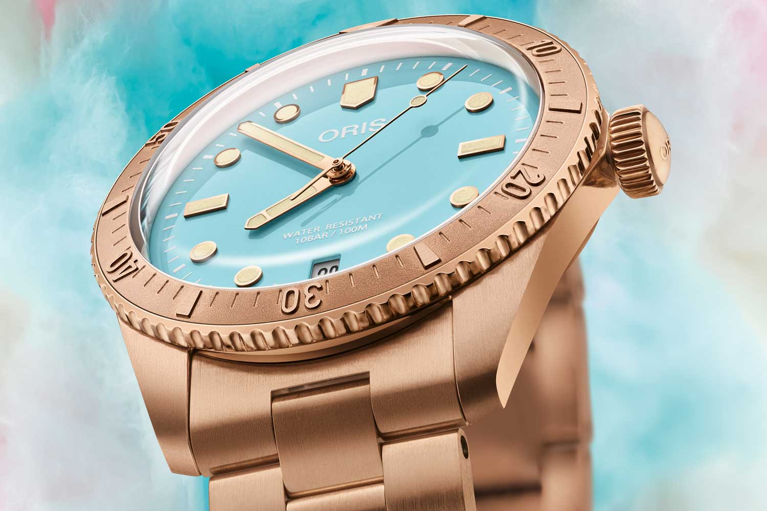 The watch is available in three delightful colours - sky blue, wild green and lipstick pink.
