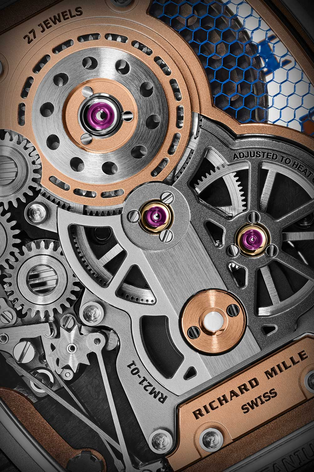 The mainplate of the watch is made from a distinctive blue honeycomb-patterned alloy, HAYNES® 214, which offers unparalleled stiffness and high resistance to torque and thermal expansion.