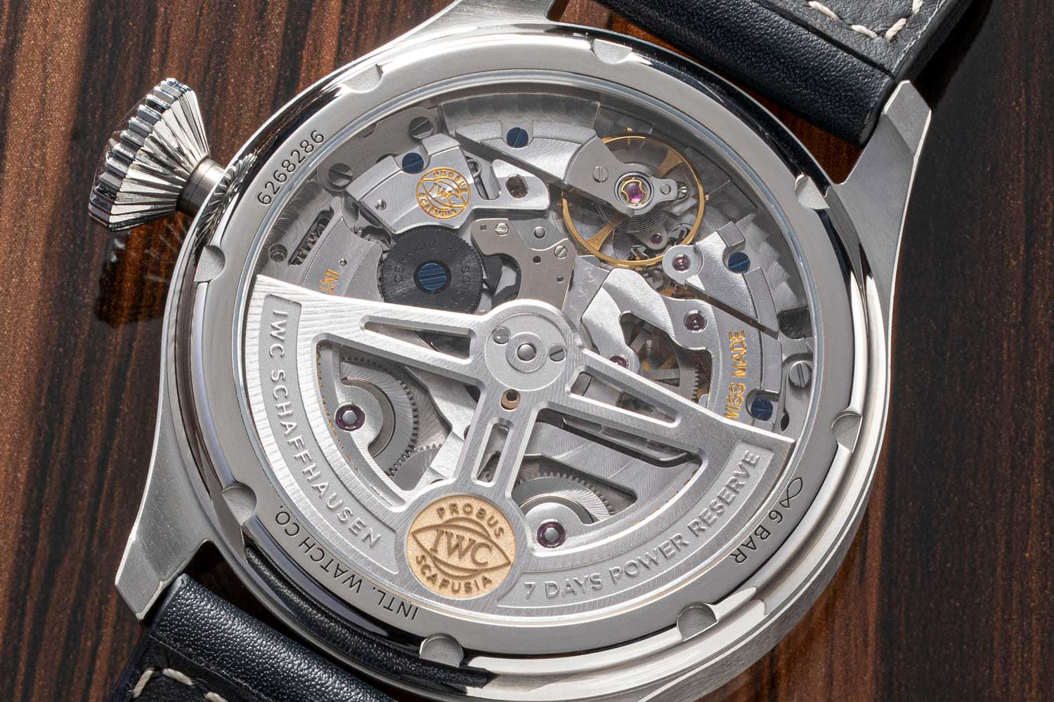 Calibre 52615 features the classic Pellaton automatic winding system with an elegant pawl design that delivers 7 days of power reserve.(Image: Revolution)
