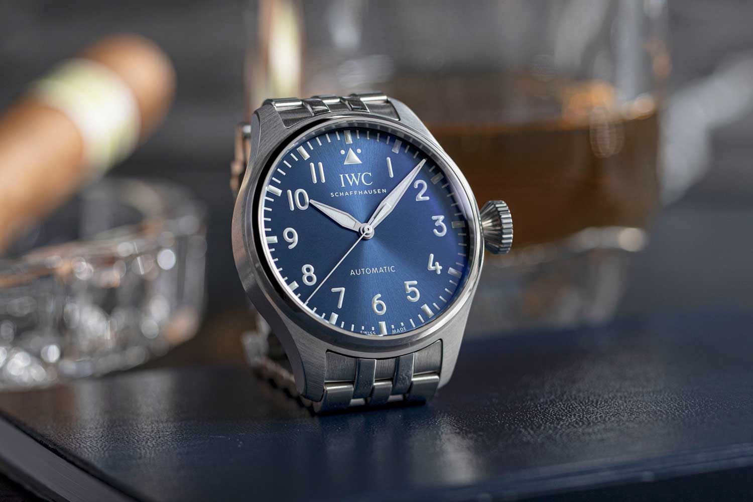 The watch's wide hour and minute hands and the slender seconds hand are rhodium-plated for high legibility against the dark dial. (© Revolution)