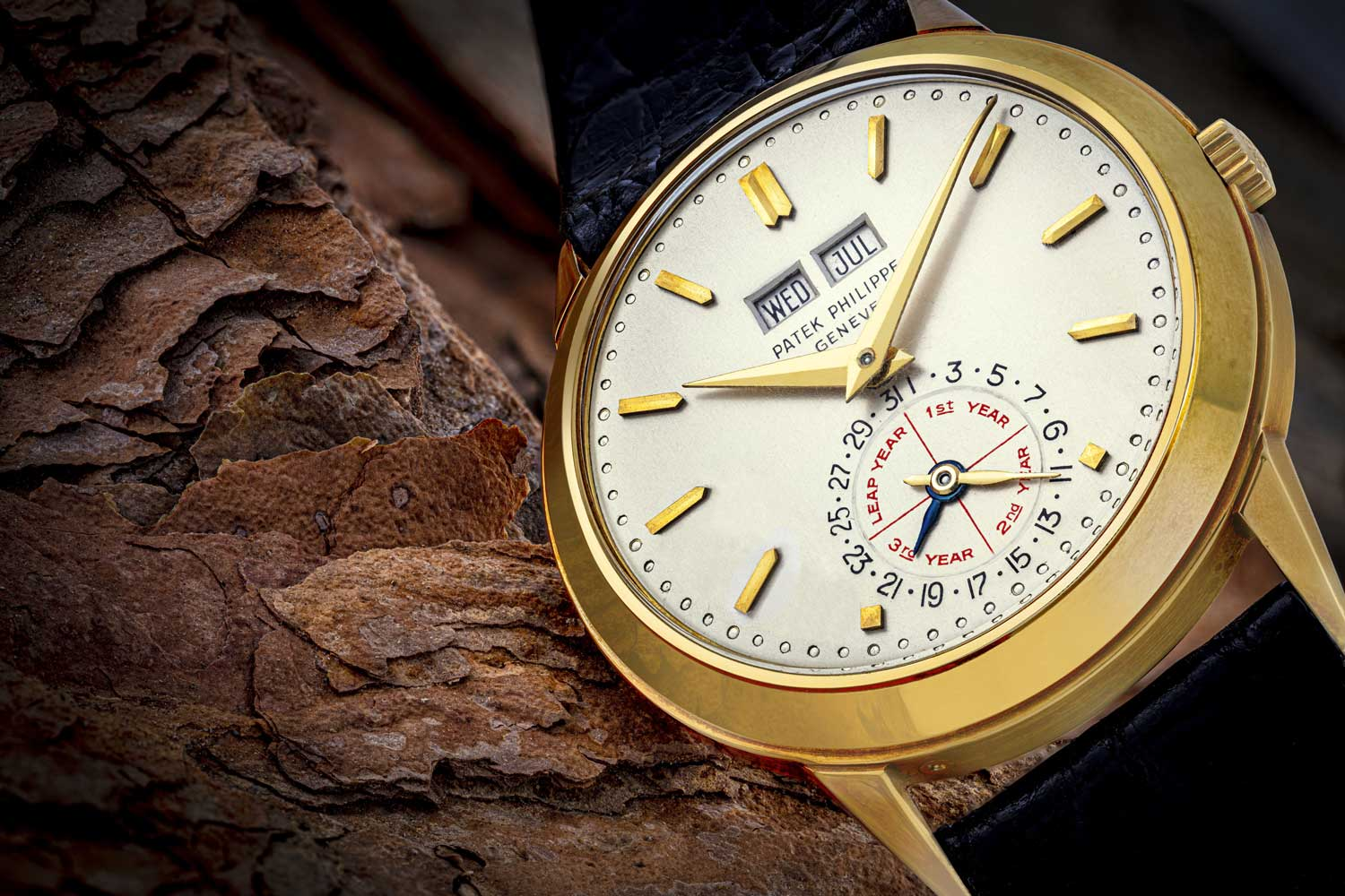 """A unique and historically highly important 18k gold automatic perpetual calendar wristwatch ref. 3448 """"Alan Banbery"""", specially modified in 1975 as a unique piece for presentation to Alan Banbery, manufactured in 1970."""