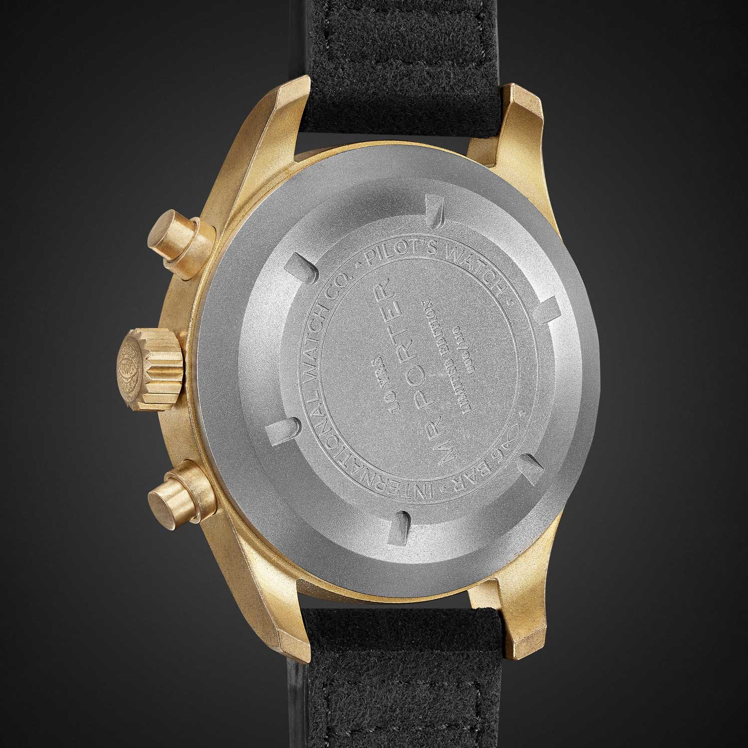 The watch is fitted with a titanium caseback to avoid bronze material exposure to the skin