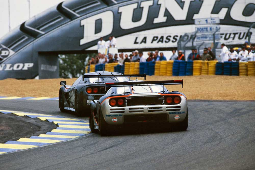 1995 Le Mans 24 Hours. The F1 driven by J.J. Lehto/ Yannick Dalmas/Masanori Sekiya (leading) came first, whereas the trailing car, driven by Pierre-Henri Raphanel/ Philippe Alliot/ Lindsay Owen-Jones retired.
