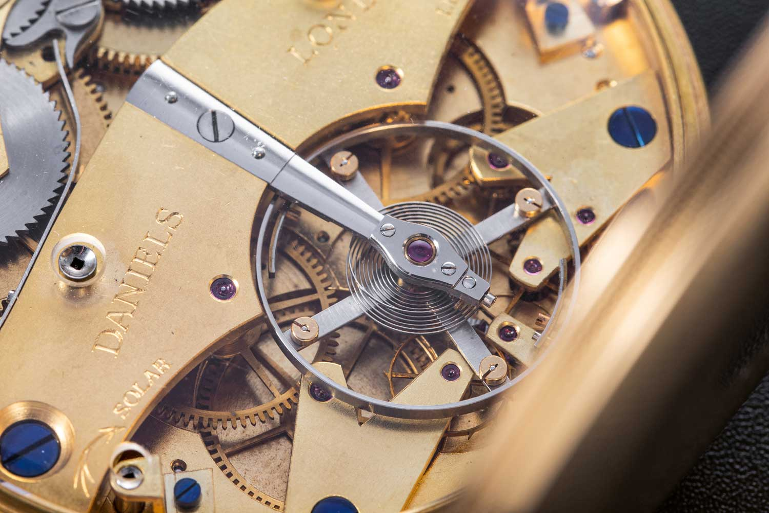 The double-wheel chronometer escapement in the Space Traveller (Image: The Hour Glass)