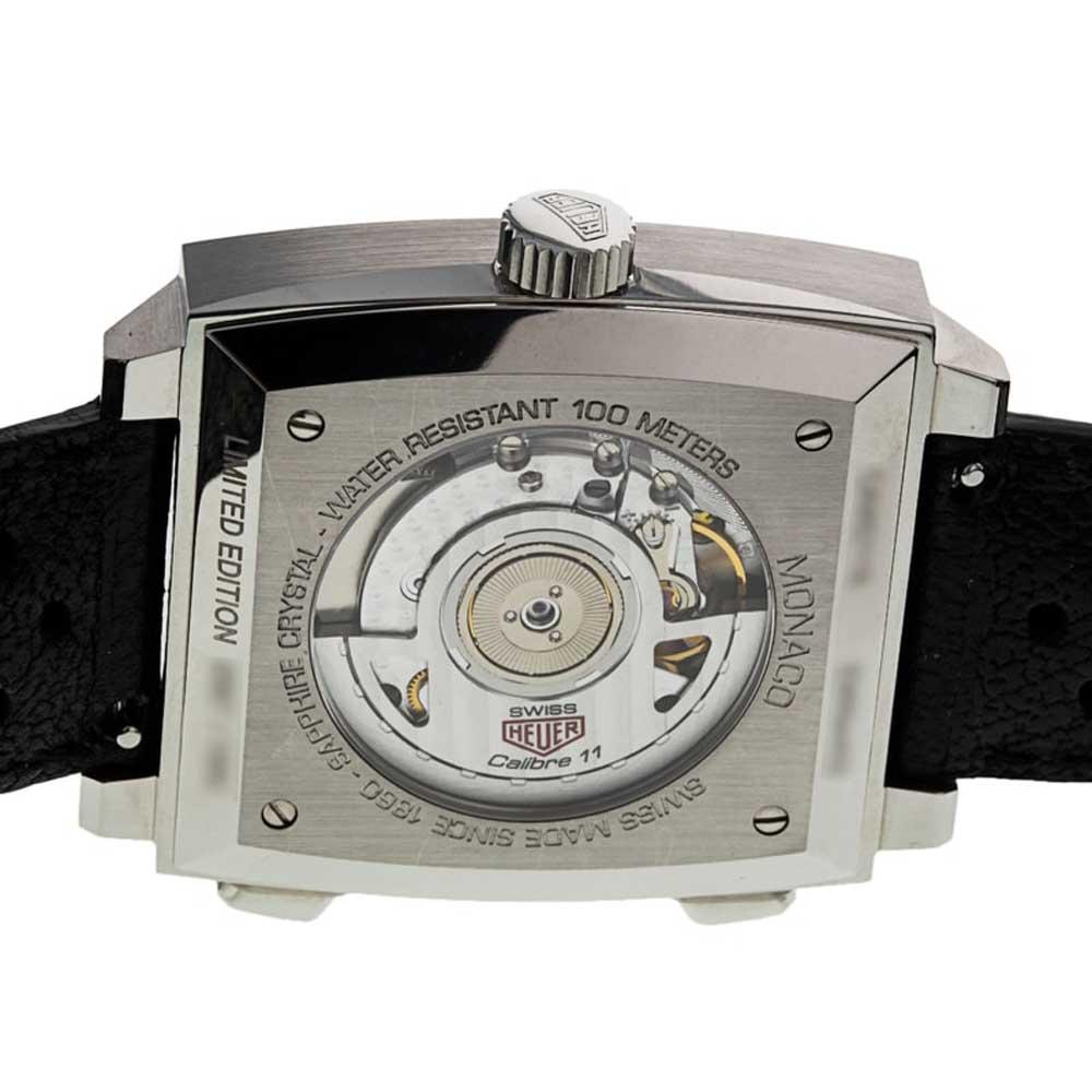 The watch is powered by Calibre 11, an ETA 2892/2 base with a Dubois Depraz Chronograph module