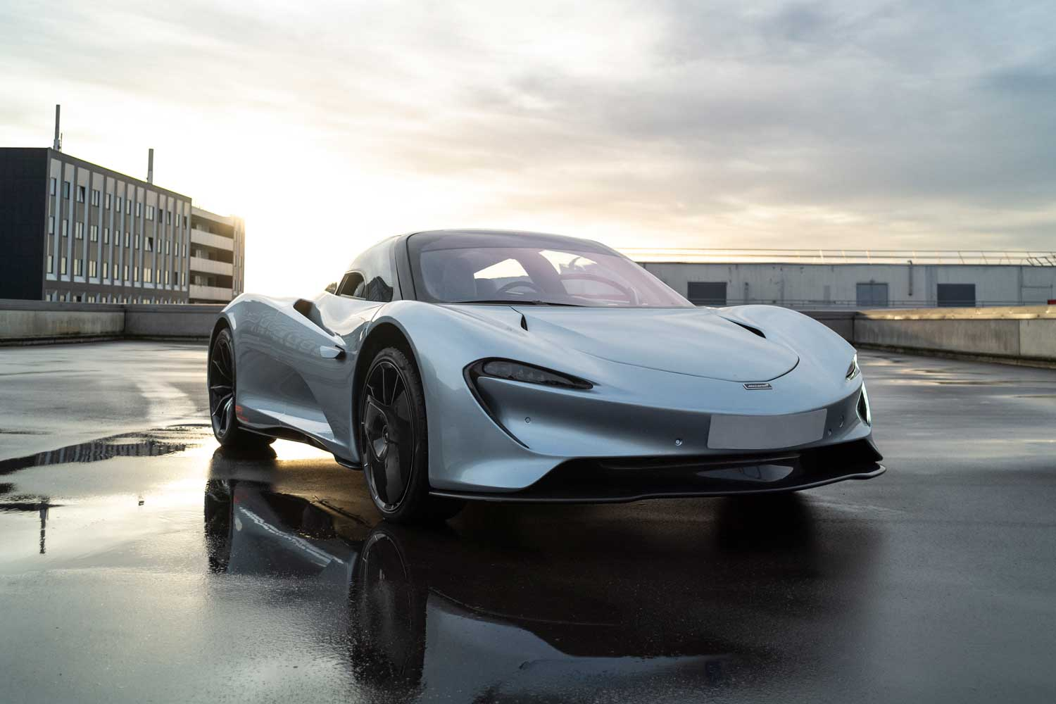 The McLaren Speedtail is powered by two engines, the M840T from the McLaren 720S and an electric powertrain, that together are capable of propelling the Speedtail at a crazy top speed of 250mph.