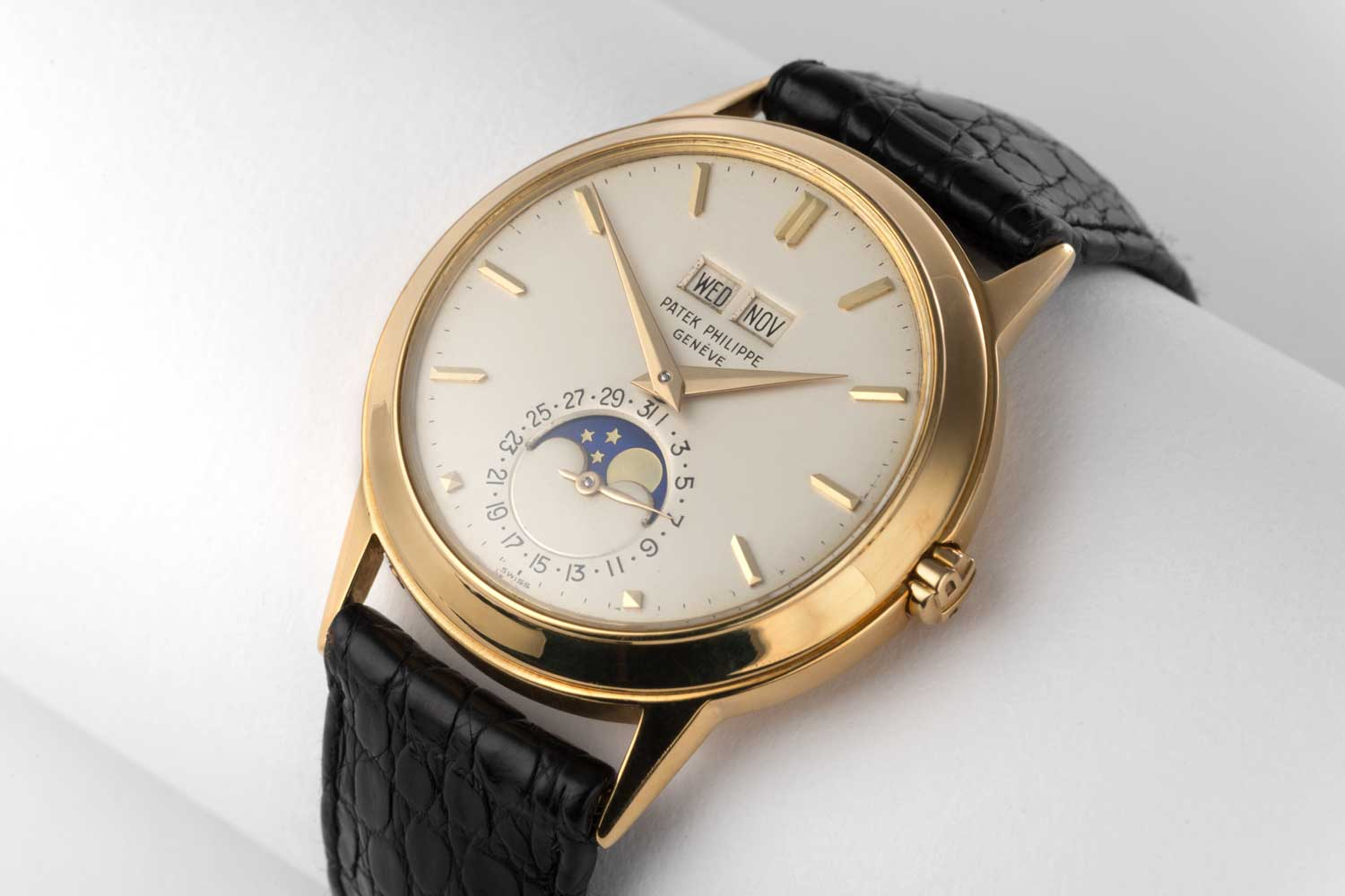 """The ref. 3448 is known for its large, perfectly round and thin """"disco volante"""" (""""flying saucer"""") case, characterised by dynamically attenuated lines designed by Geneva-based case-maker Antoine Gerlach(Image: The Watch Club)"""