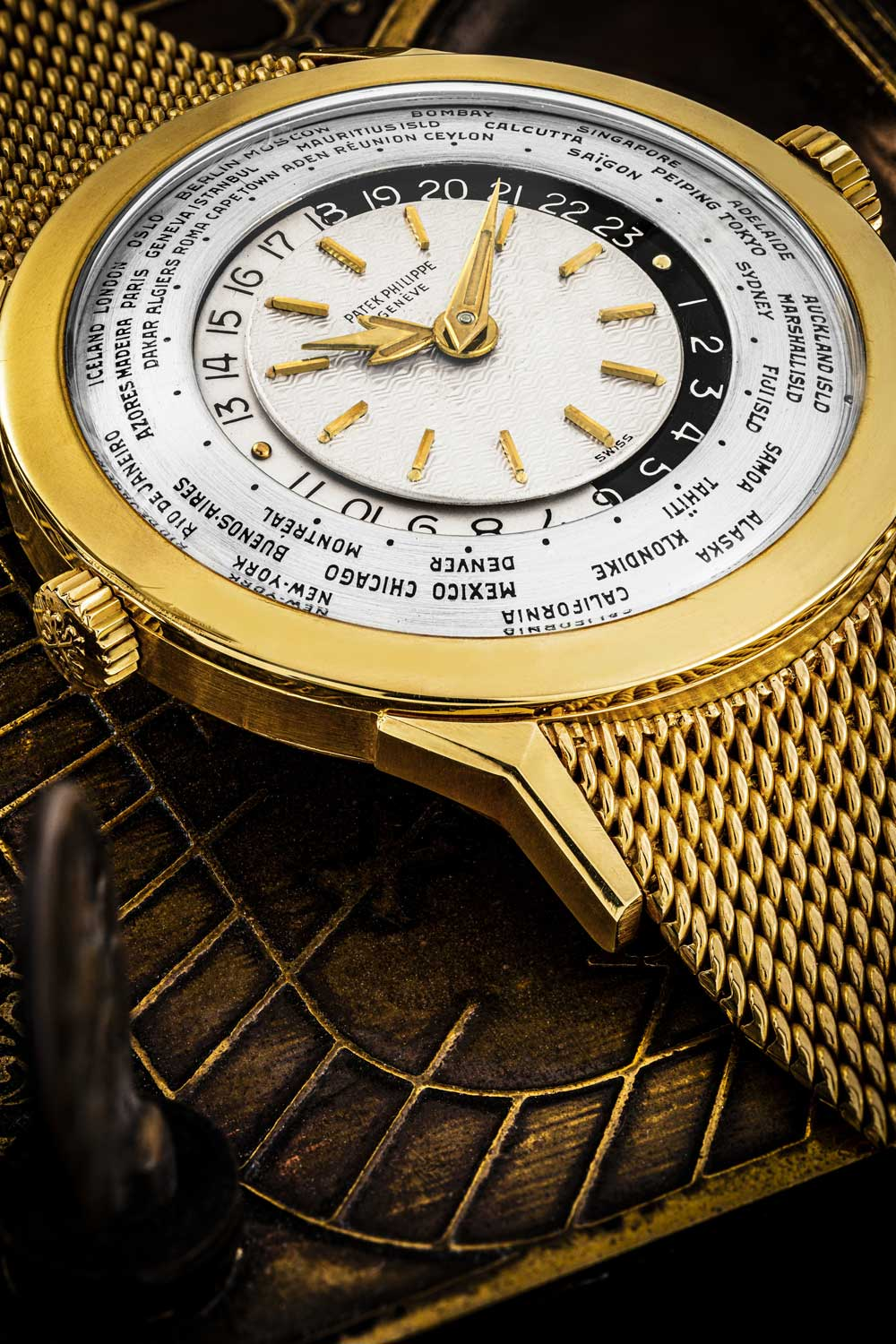 Patek Philippe reference 2523/1 offered on a detachable gold bracelet