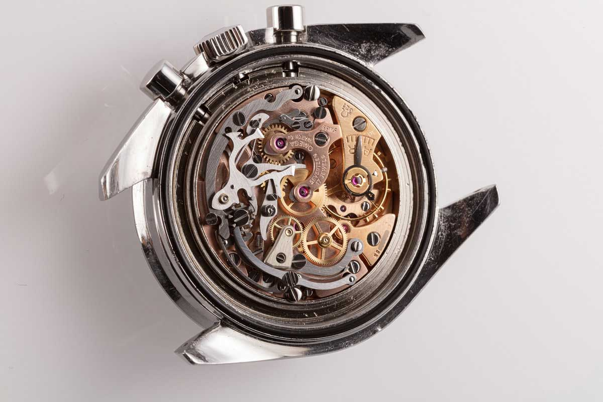 The venerable Calibre 321, or the 2310 in Lemania speak, fitted inside a Speedmaster 145.012 (hqmilton.com)