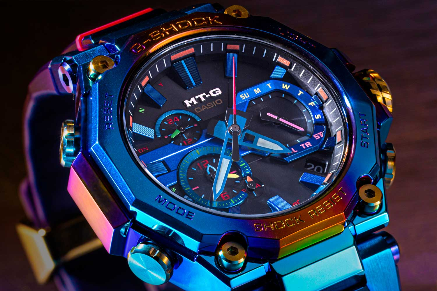 The light-blue ion-plated bezel and case undergo a rainbow IP surface treatment which blends blue with flame orange and hints of purple. (©Revolution)