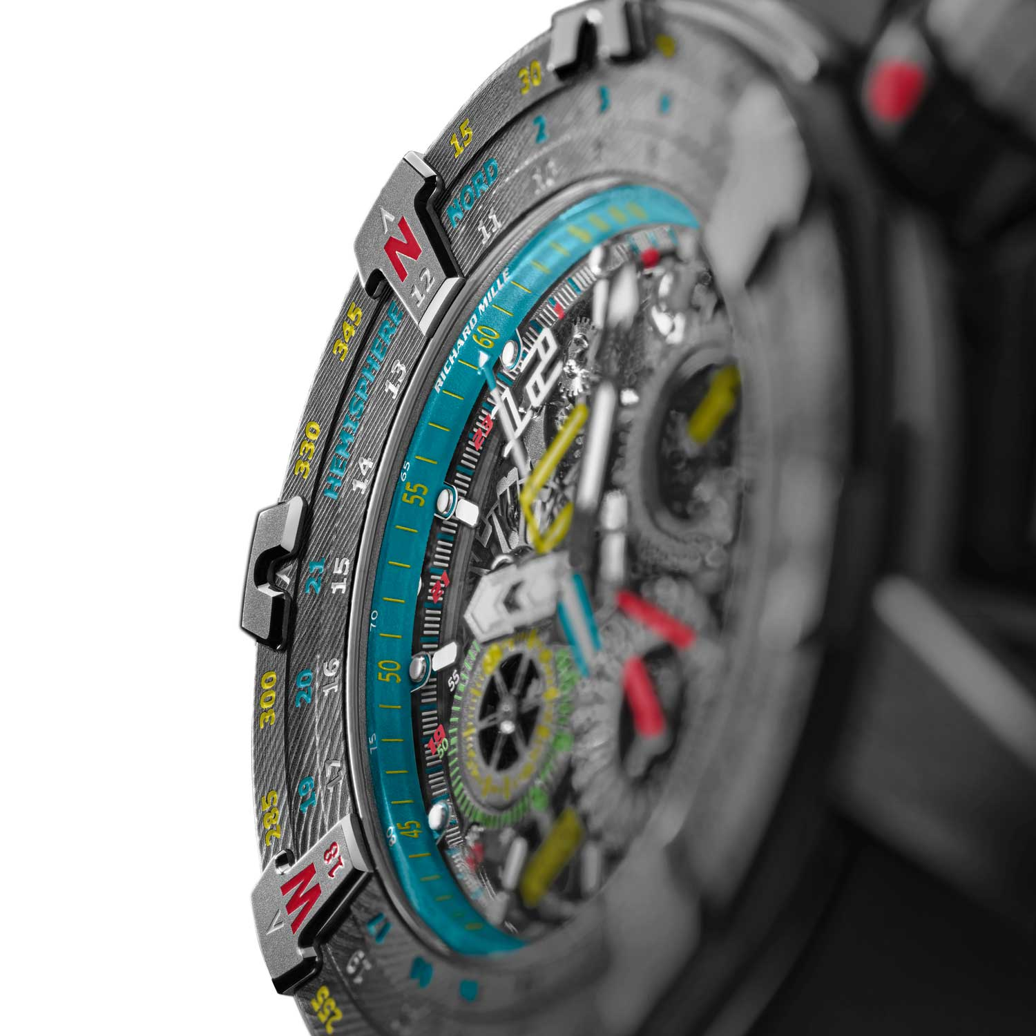 The RM 60-01 offers the orientation of both the Northern and Southern Hemispheres without any calculation.