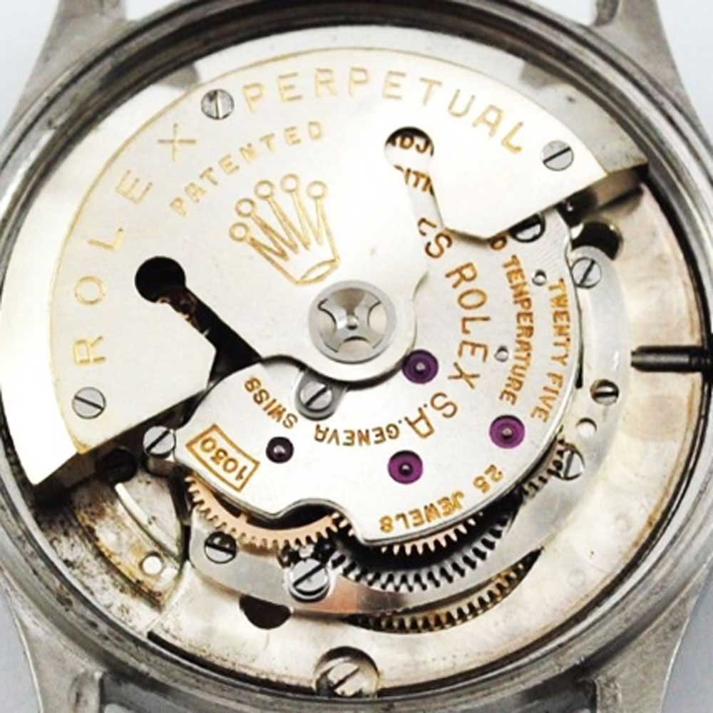 The chronometer-grade cal. 1030 introduced in the 1950s was Rolex's first fully in-house movement