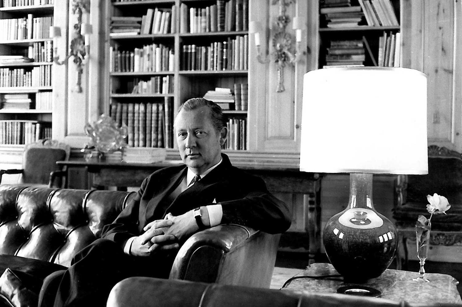 1966 - Axel Springer in the Small Library, today's Journalist Club of the Berlin publishing house (Image: axelspringer.com)