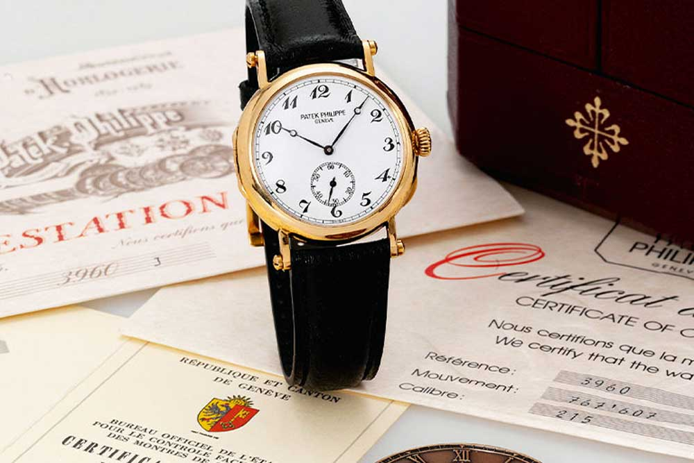 Patek Philippe introduced the reference 3960 in 1989 to commemorate the firm's 150 anniversary