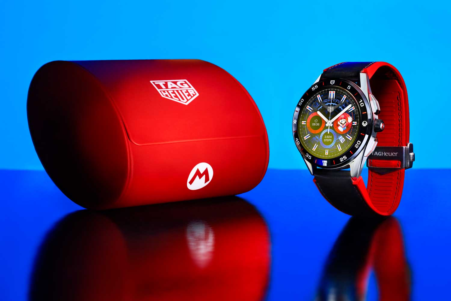 The TAG Heuer Connected x Super Mario Limited Edition is presented in a packaging designed exclusively for this collaboration. It also comes with a travel case in Super Mario red.