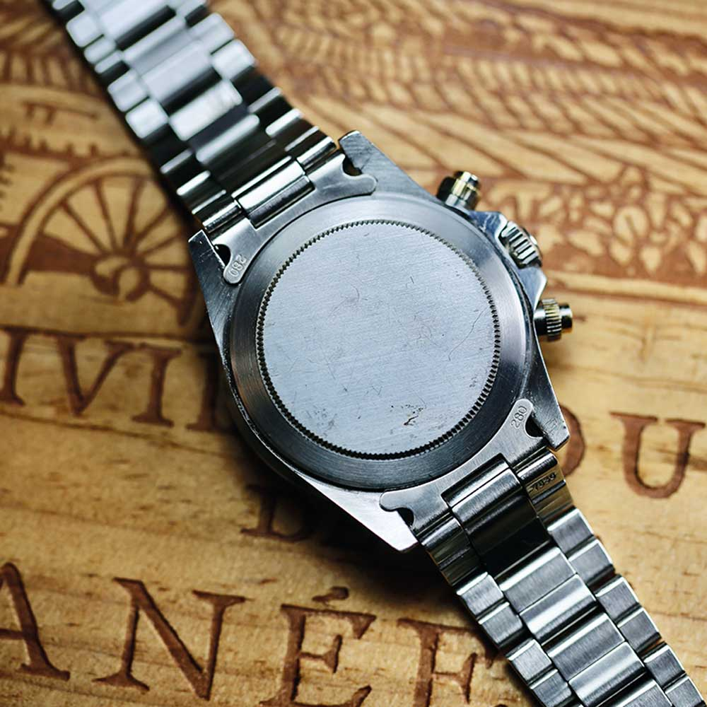 """Eric's watch is very different in that it has no engravings at all. No serial number, no reference number and not even the """"ORIGINAL OYSTER CASE by ROLEX GENEVA"""" inscription on the caseback."""
