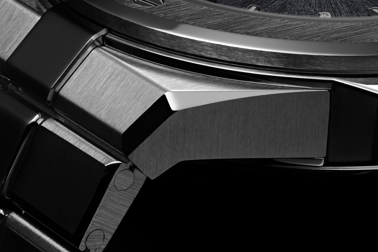 Unlike some of the older integrated bracelet watch designs, the Alpine Eagle's bracelet falls straight down against the wrist and can accommodate a vast variety of wrist sizes.