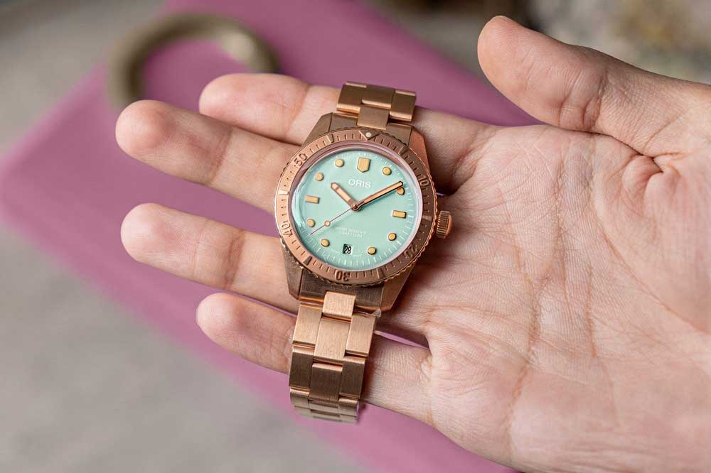 Available on the Revolution Shop: Oris Divers Sixty-Five 'Cotton Candy'