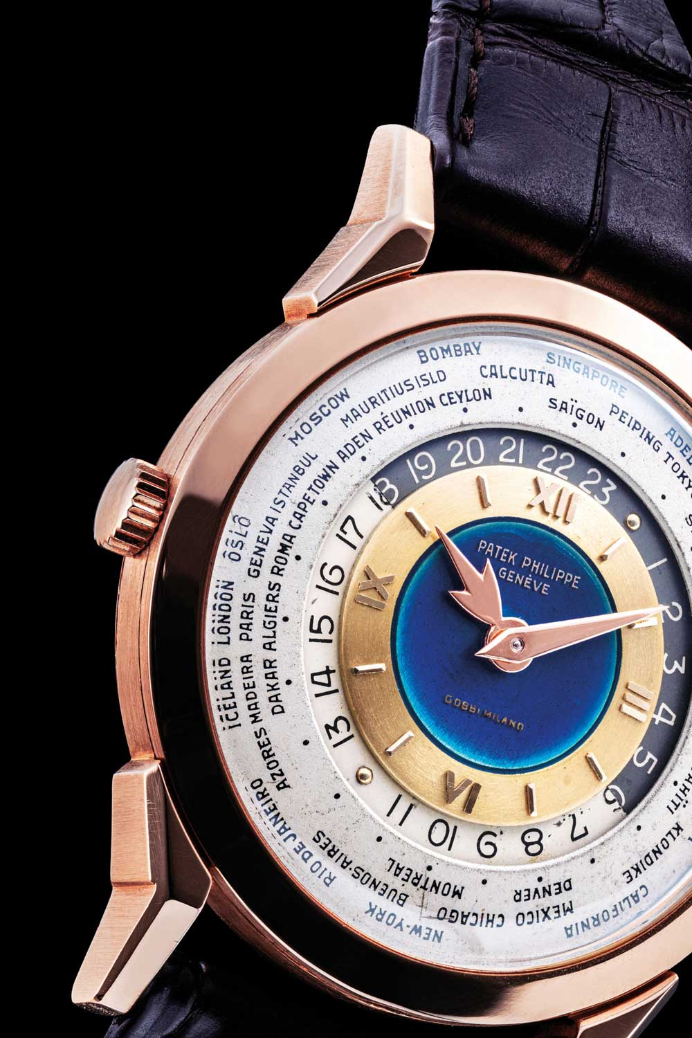 This ref. 2523 with a stunning double-signed dial with blue enamel at the center was sold by Christie's in 2019 for a staggering USD 9 million. (Image: Christie's)