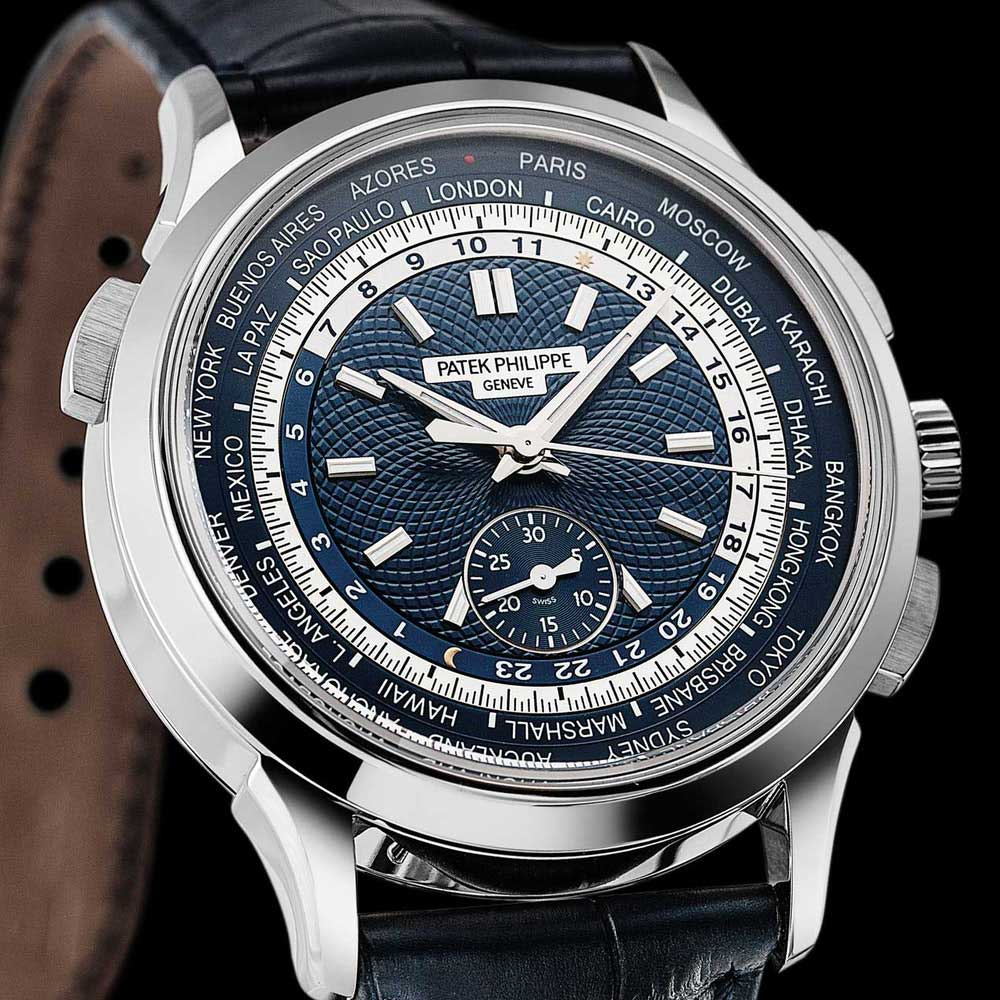 The ref. 5930 offers a unique combination of a World Time function and an automatic vertical clutch flyback chronograph with a 30-minute counter.