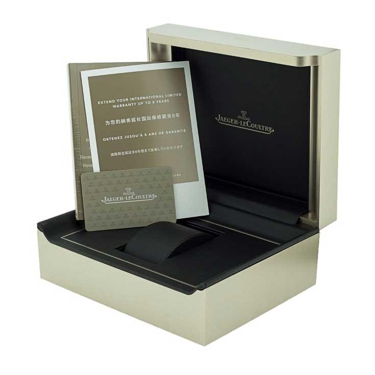 Mô hình cụ thể này tại cửa hàng của chúng tôi là từ năm 2019 và được cung cấp với bộ hộp và giấy tờ ban đầu và bảo hành hai năm từ Watchfinder.
