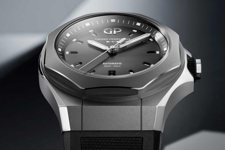 81070 21 001 FB6A AMB 02 - Giới thiệu đồng hồ Girard-Perregaux Laureato Absolute Ti 230