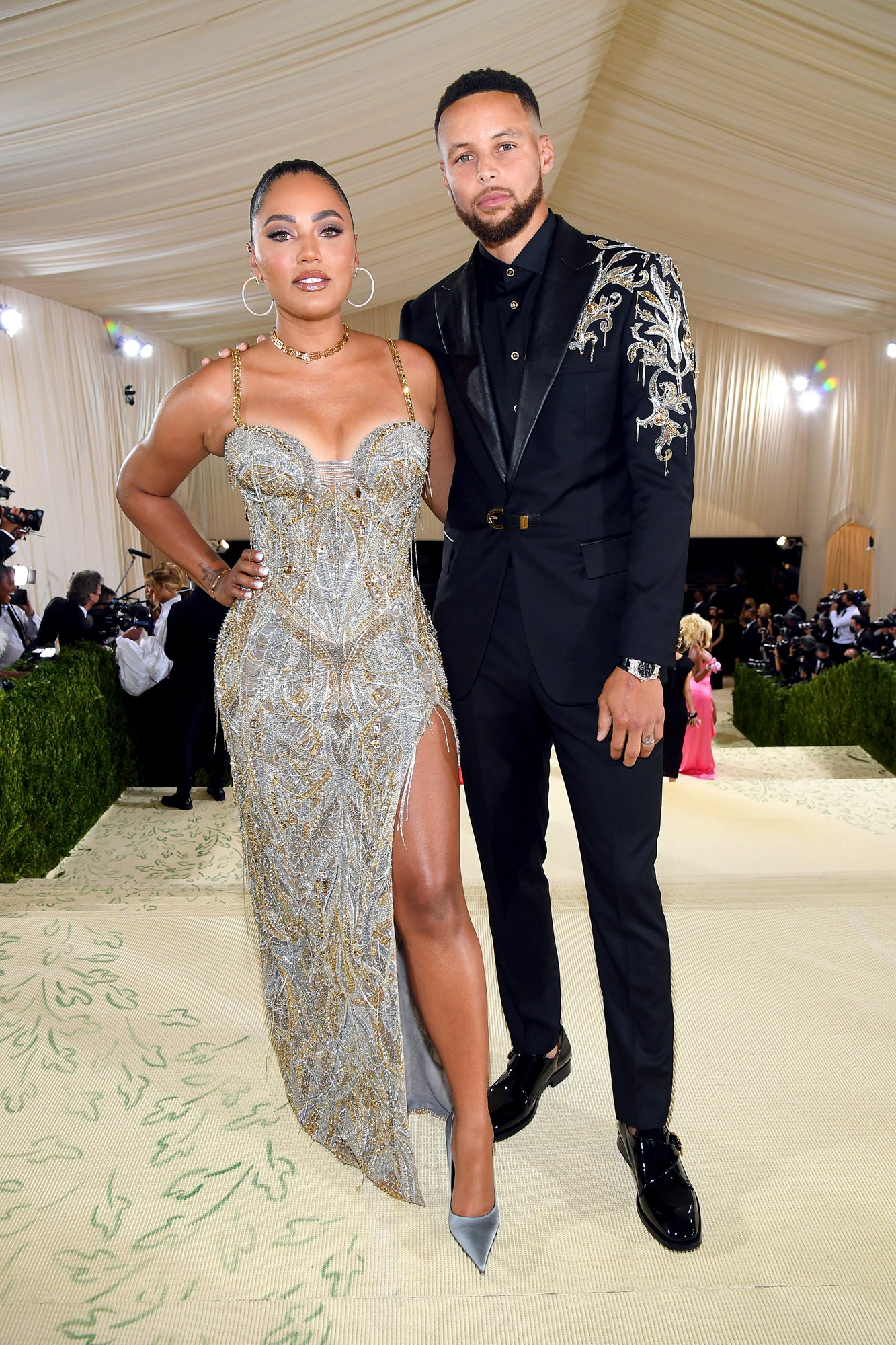 Golden State Warriors' point guard, Stephen Curry was on site with a stone set Royal Oak, seen here with his wife, Ayesha Curry