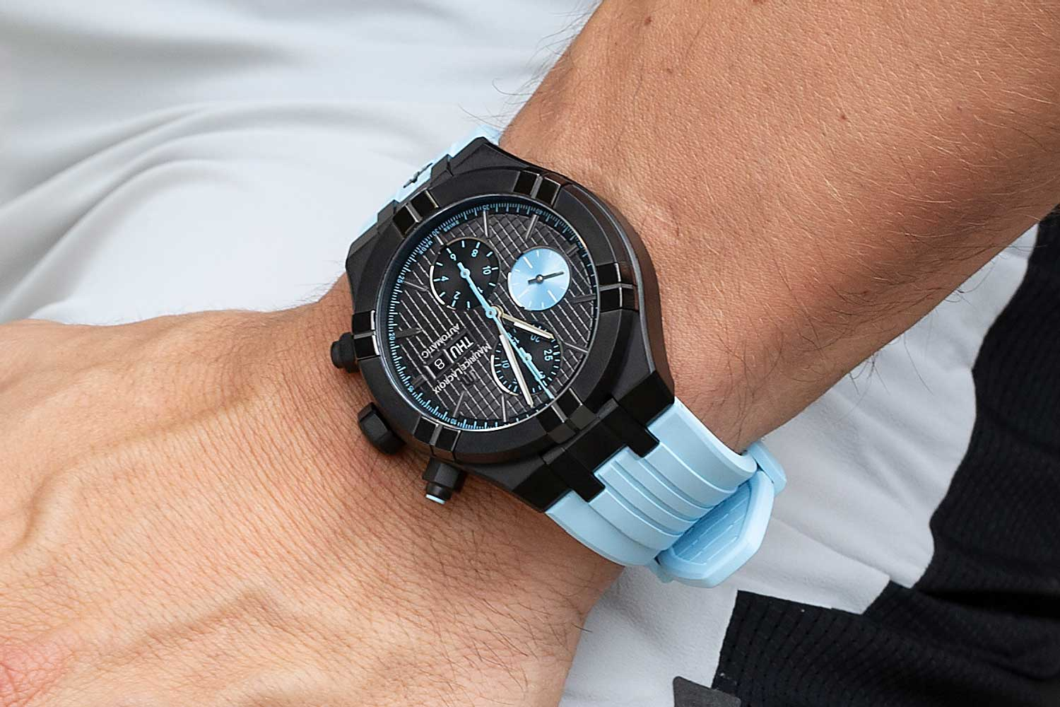 The watch is equipped with calibre ML112, based on the Sellita SW500 that delivers a 48-hour power reserve.