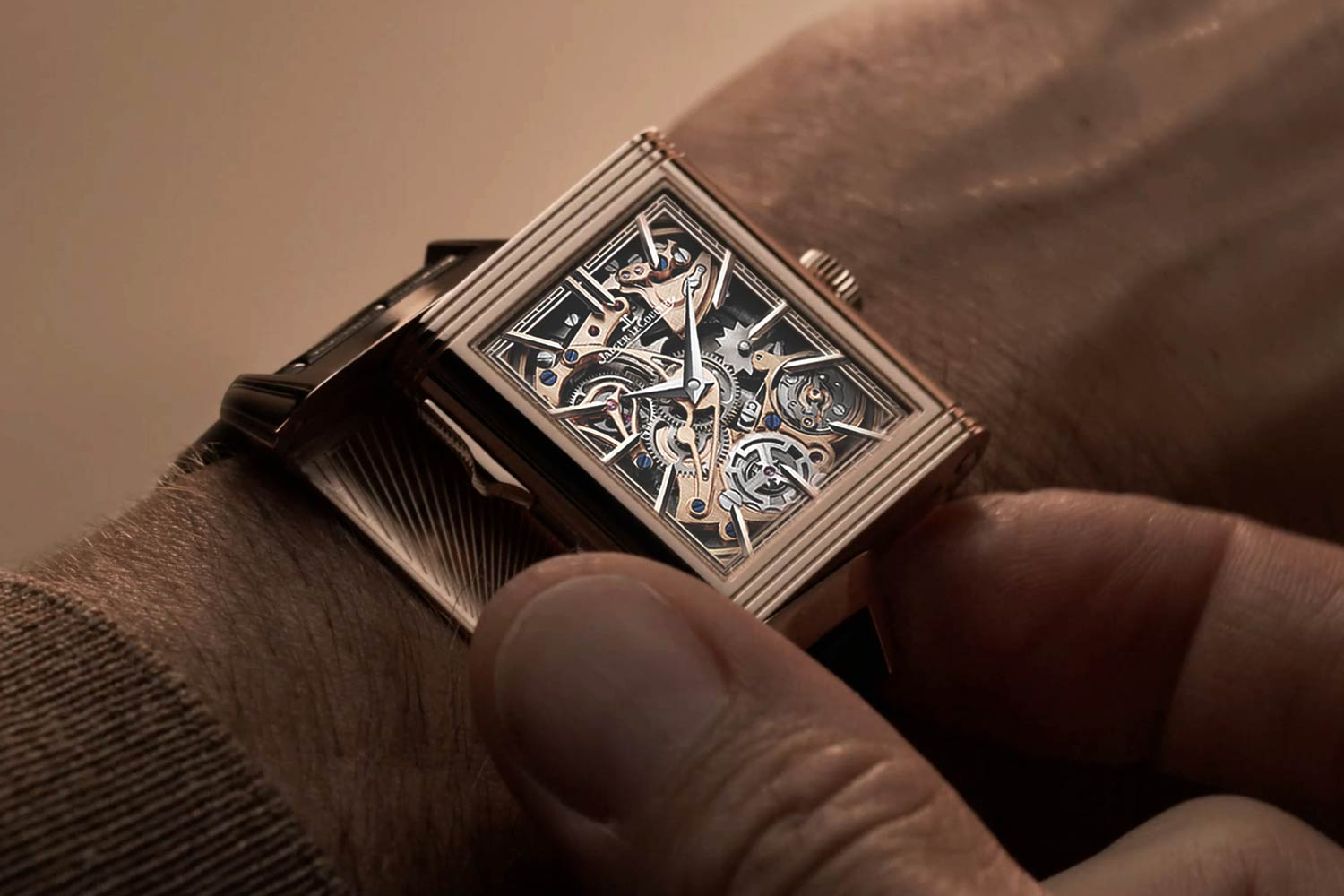 Limited to 10 pieces, the Reverso Tribute Minute Repeater is the perfect example of Jaeger-LeCoultre's exceptional expertise in presenting a classic complication in an unusual yet timeless case.