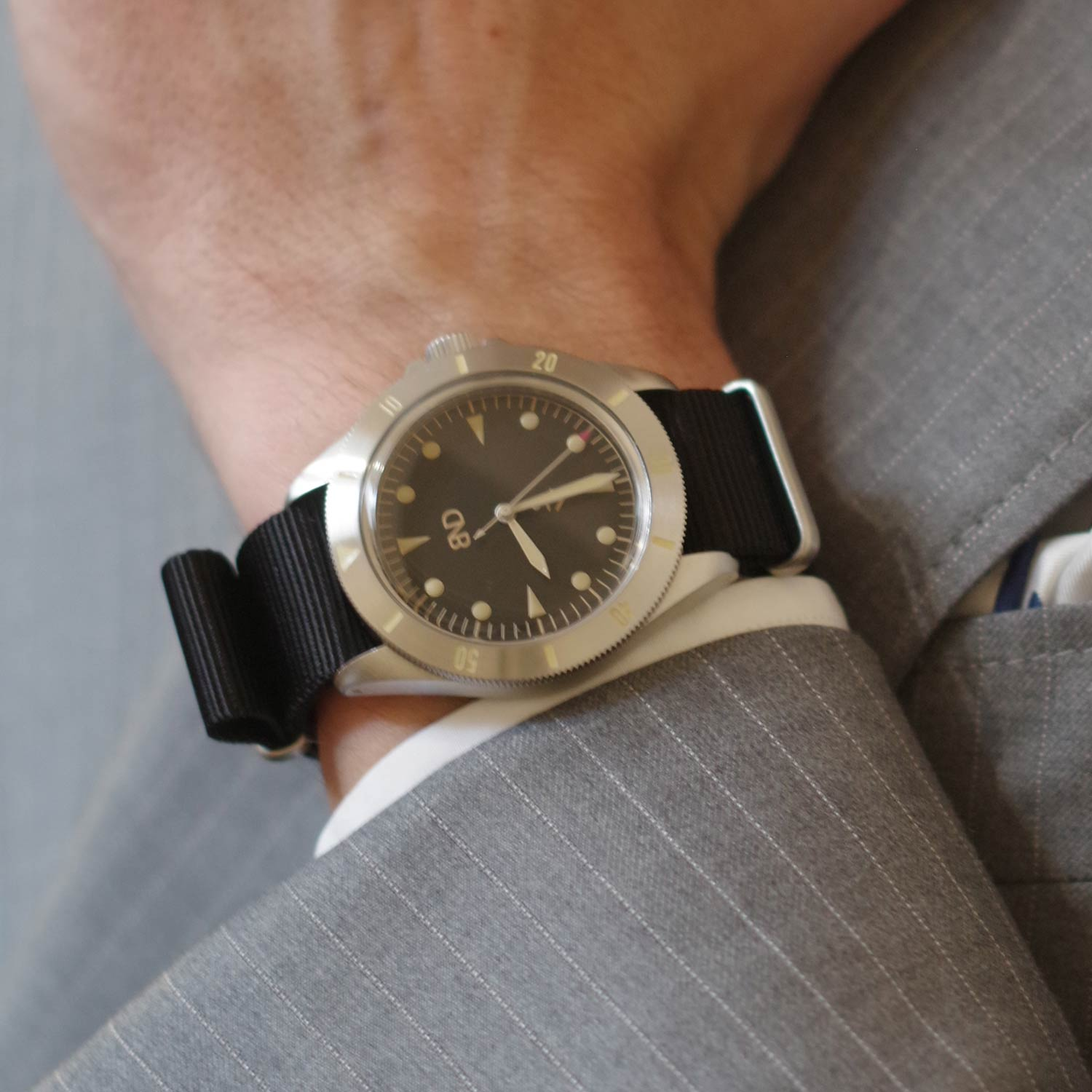 """All watches have 'sand colour' painted indexes and hands which are """"old radium"""" Super-LumiNova."""