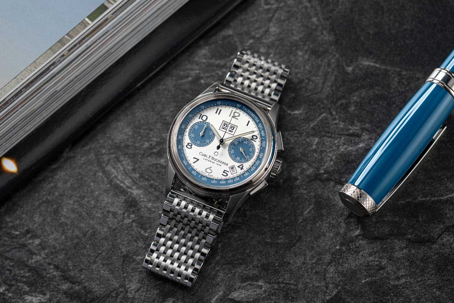 The Heritage BiCompax Annual Lucerne pays homage to Jörg G. Bucherer's passion for the family car that returned to his life after so many years, and, of course, to his hometown of Lucerne. (© Revolution)