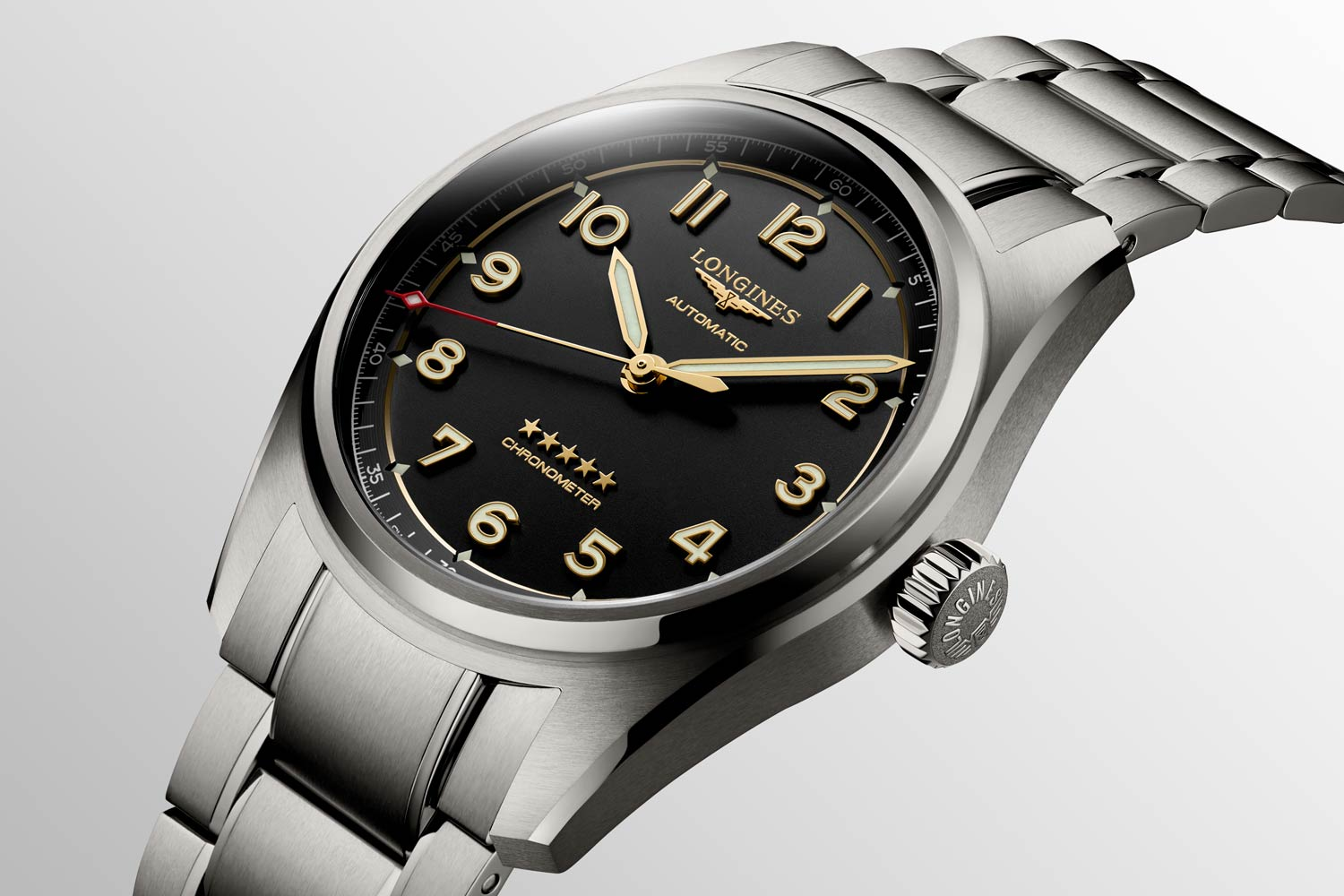 In harmony with the case's satin-polished finish, sandblasted anthracite dial, and satin black flange, the titanium gives this timepiece an updated, contemporary look.
