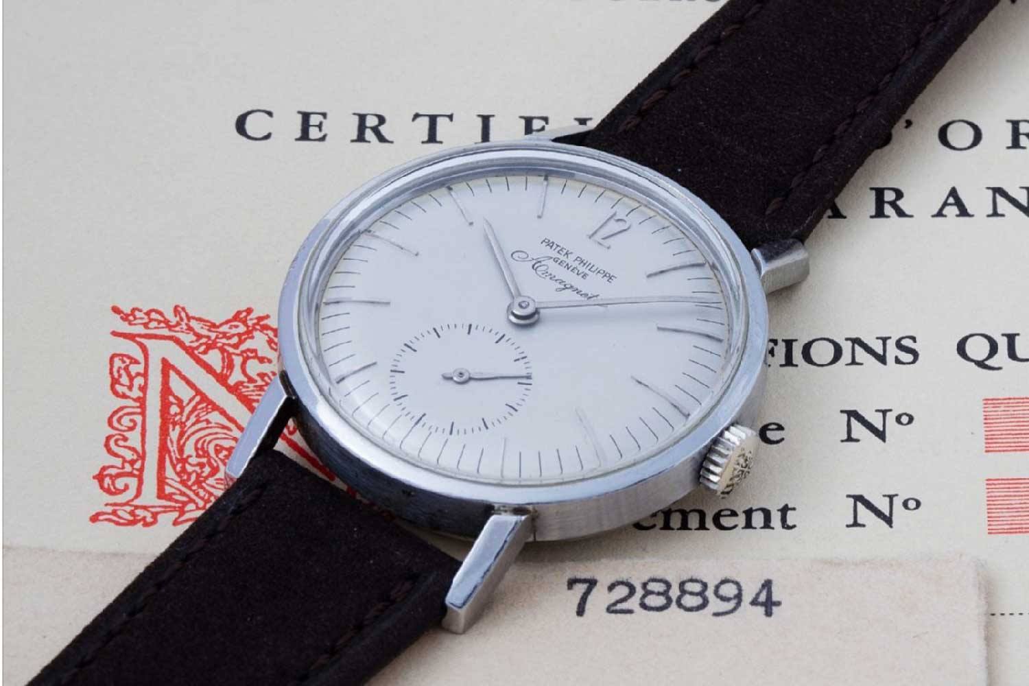 The brand's first serially produced anti-magnetic watch, the ref. 3417, equipped with the calibre 12-400 (Image: Phillips)