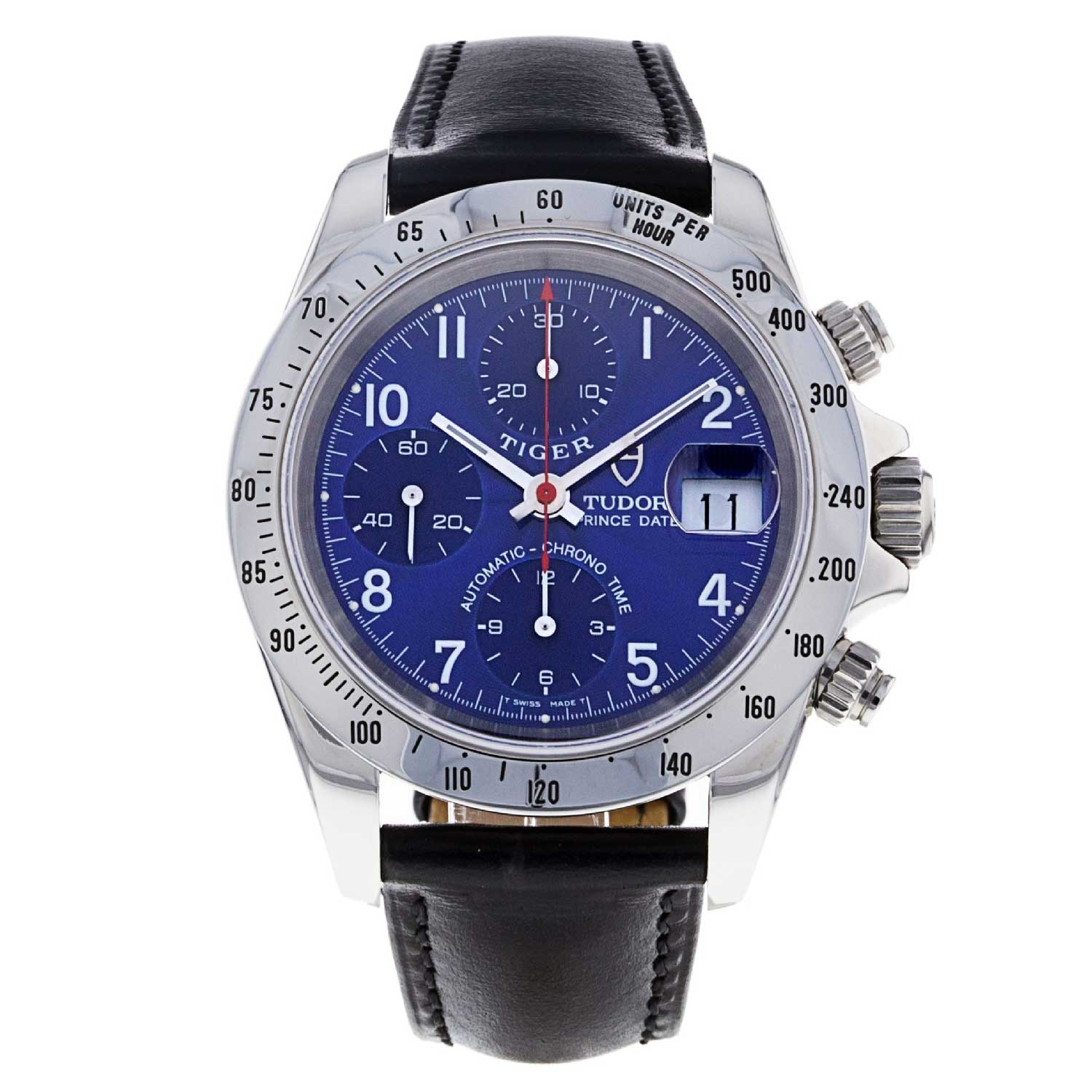 The reference 79280P, available in our shop, has a rich blue dial that has painted Arabic hour markers and is double signed TIGER, a reference to Tudor ambassador Tiger Woods.