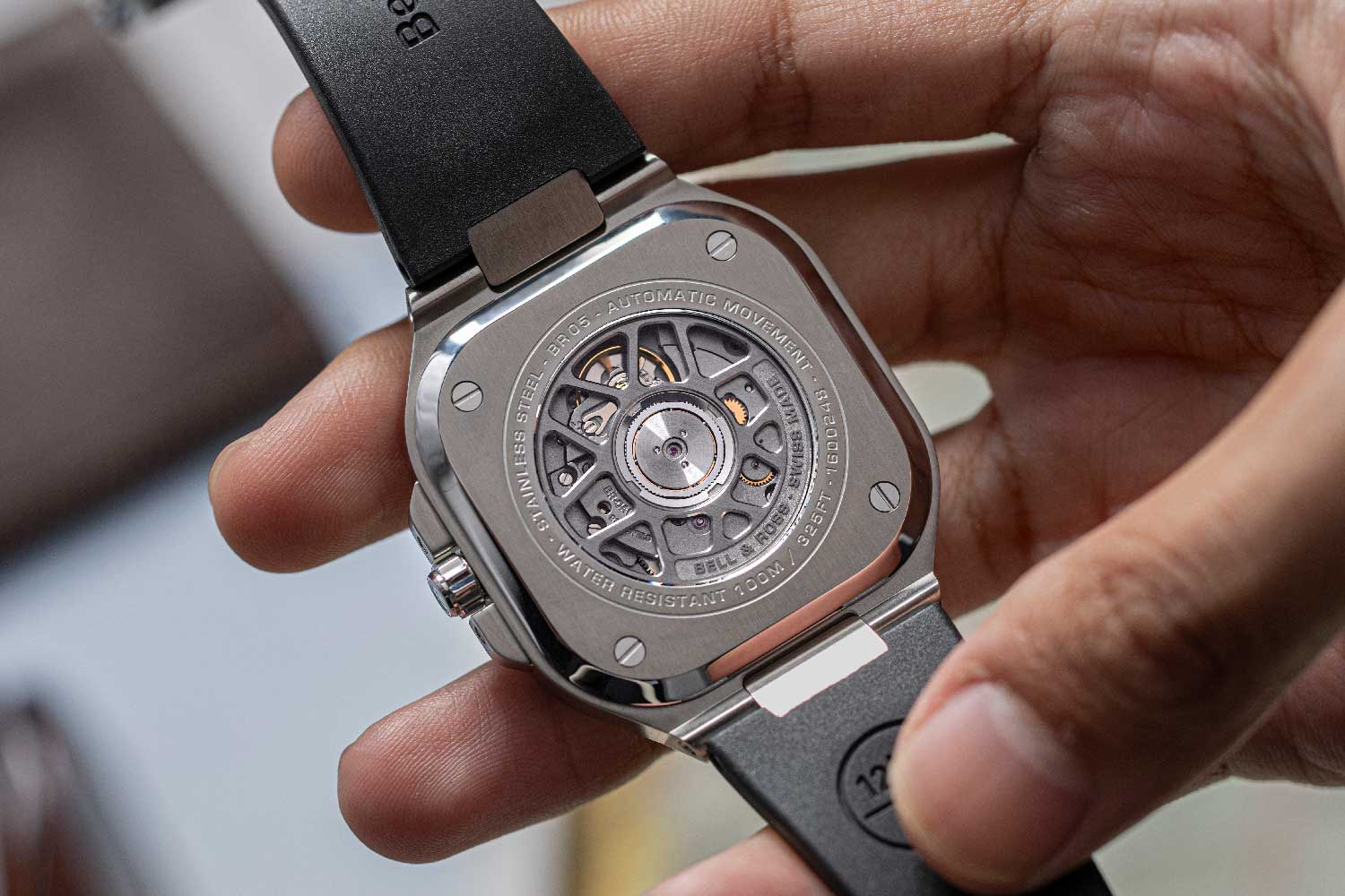 The watch is powered by automatic calibre BR-CAL.325 (© Revolution)