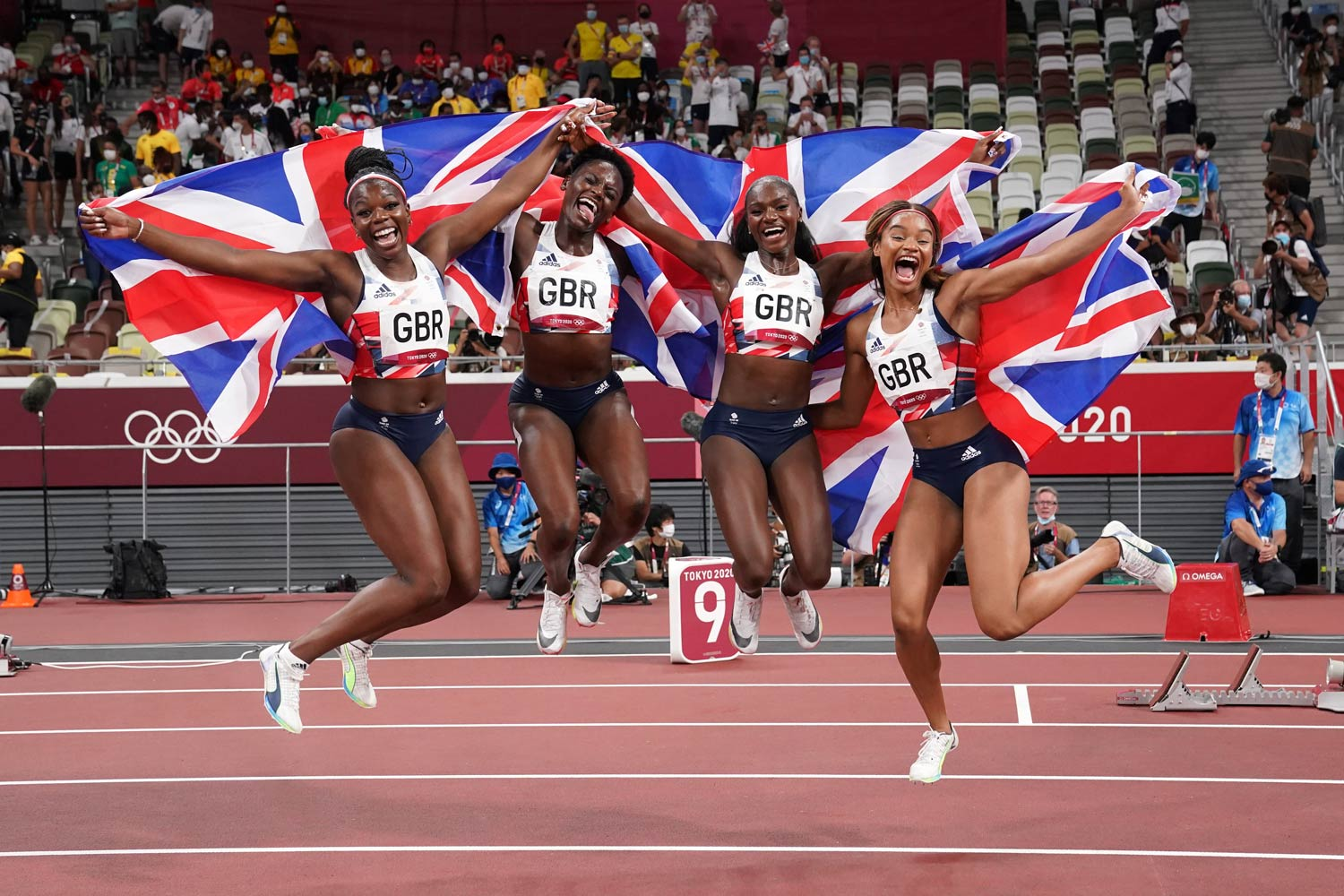 Breaking the national record with an impressive 41.55 seconds and securing a bronze medal for Team Great Britain